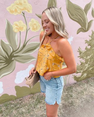 Feeling like 🌼🌼🌼 & ☀️☀️☀️ blouse is @doralandany & you can use code TAYLORLOVE for 25% off site- wide 💛💛💛 #ad #doralanda #summerstyle this is the BRANDI blouse.