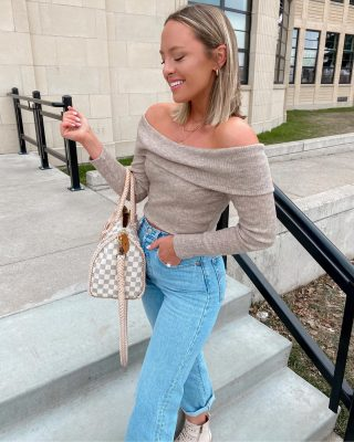 Felt like a good day to have a good day! 🤍🌸 I actually don't think it's any coincidence- I've been doing a new program (talking about it on stories) and am a biiig fan so far! linking today's sweater + current favorite denim + bag + jewelry! you can use code TAYLORLOVE for 10% off @vintagebohobags (bag) & @mirandafrye (jewelry) 💫💫💫@revolve #revolveinbloom