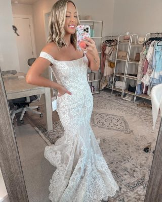 Wedding dress try on today with these stunning @bhldn gowns 💍🤍 which is your favorite? perfect for all my brides to be out there!! my favorites are 2 & 3 - all gowns are listed over on my story + linked!! #bhldn #bhldnpartner #anthropologie #weddingdresses #weddinggown #brides