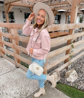 Happy Monday, girlfriends! 🤍 I hope you had a good weekend & are back this Monday feeling refreshed! ICYMI- there's a new blog post with shackets & you can use code TAYLORLOVE for 15% off them all #fallstyle over on loveinsideandout.com under $100