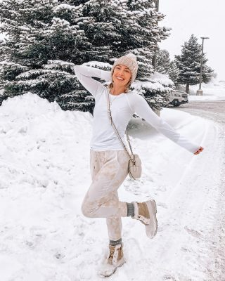 Learning to drive in the middle of a blizzard ❄️❄️❄️ shout out to the best brother ever for teaching me!!! 🥺😍 my tie die joggers are only $19 and snow storm approved! http://liketk.it/37UKP @liketoknow.it #liketkit