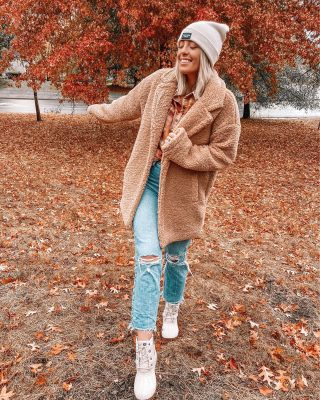 "For everyone who prints holiday cards / christmas cards— what service do you use?! We just got our photos back and I want to make sure I design a card in time! 🥰🎄🎄yesterday's rainy day look for our first full day of rain here + I loved breaking out the rain boots and thicker coat! this coat is the softest teddy coat I've found & is something I never want to take off! 🧸🧸🧸☔️ @threadandsupply rainy day look is linked in my bio + blog's ""shop my Instagram page"" ❤️ http://liketk.it/31vO9 #liketkit @liketoknow.it #ltkfall #ltkwinter"