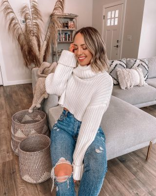Home sweet home 🏡 in fulllll decorating mode over here ✨ sharing a few decor additions on stories & a @worldmarket haul!http://liketk.it/39drd #liketkit @liketoknow.it #ltkhome #homedecor #montana #bozemanhome